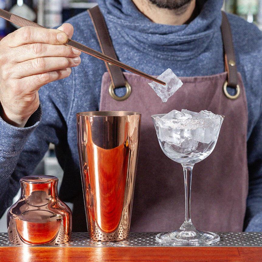 Come raffreddare un bicchiere da cocktail