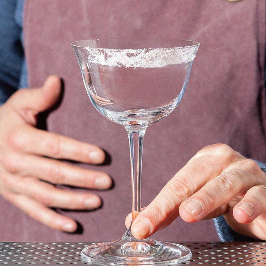 Come fare un bordo di sale sul bicchiere
