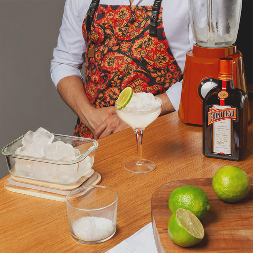 How to Make a Frozen Margarita for 2