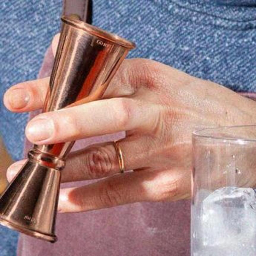 How to use a jigger